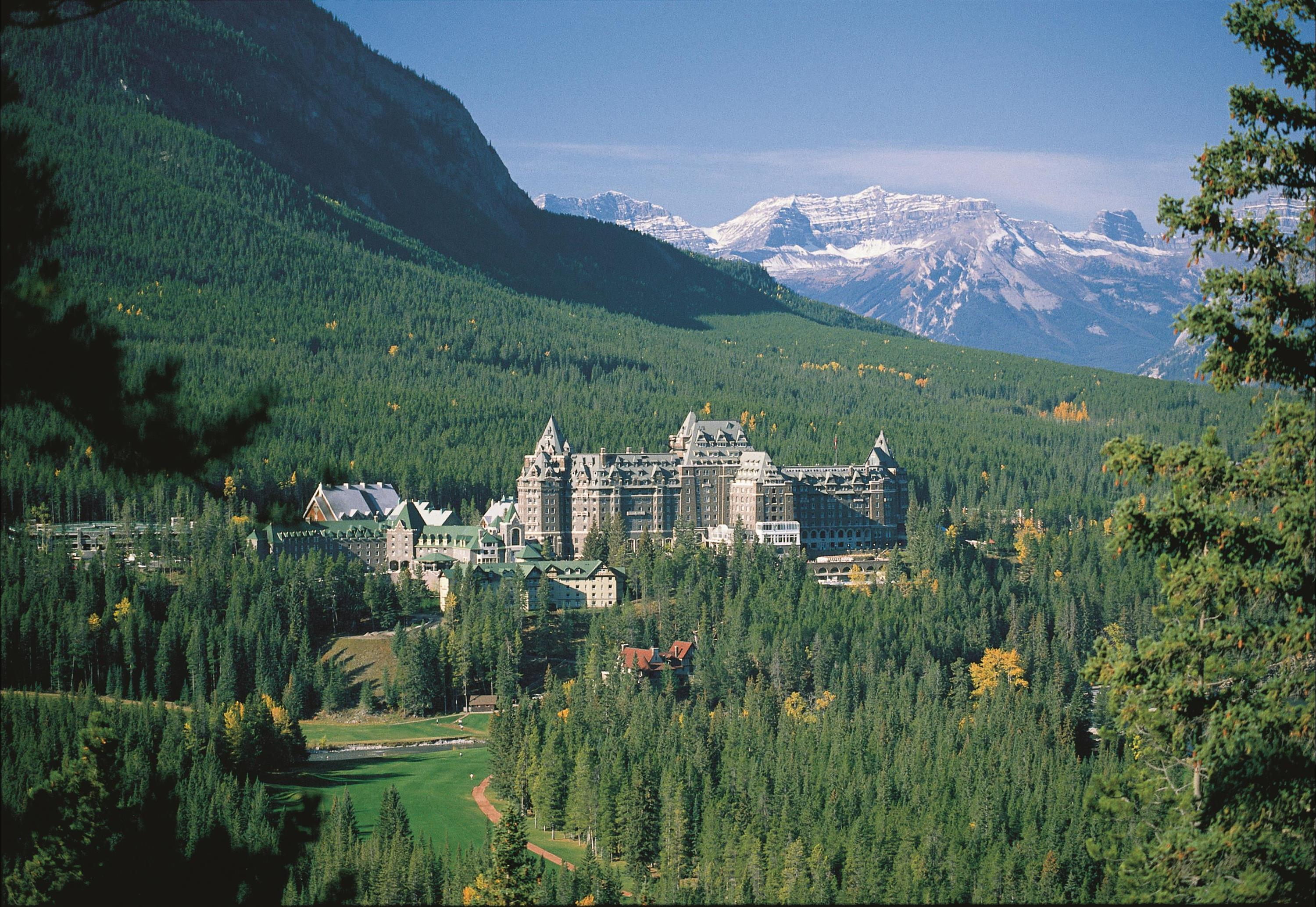 Historic Hotels Canada S Magnificent Castles Of The North